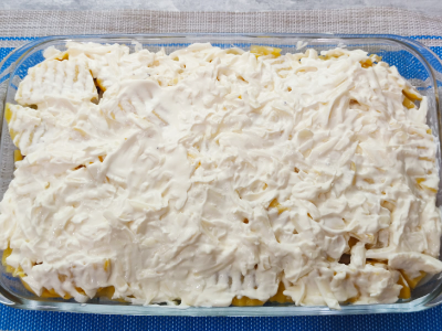 слой майонеза и сыра